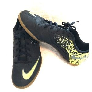 Nike Girls Black Neon Yellow Sneakers
